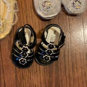 Sam & Libby Shoes - Baby shoes hat mittens boots sizes 0-5 super cute